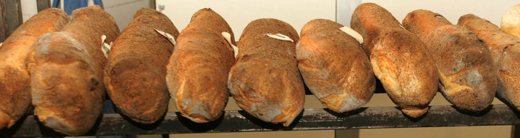 hjemmelaget-brød-genzano